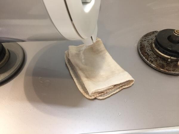 ガスコンロ 焦げ 布巾
